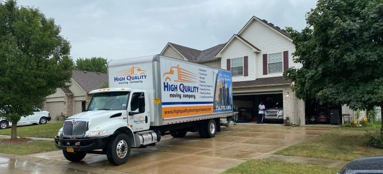 a moving truck ready for residential moving Detroit MI
