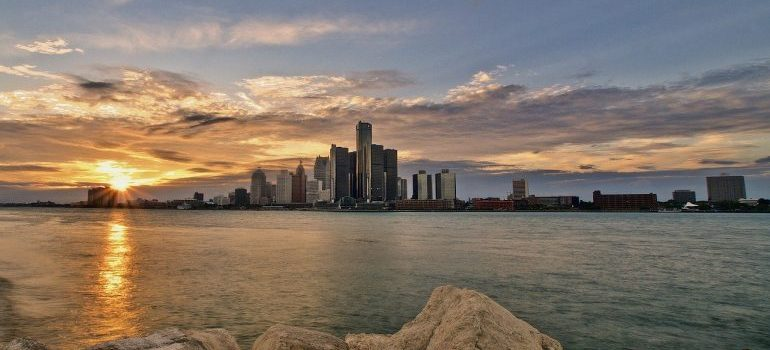 witness Detroit skyline after moving with movers in Novi MI