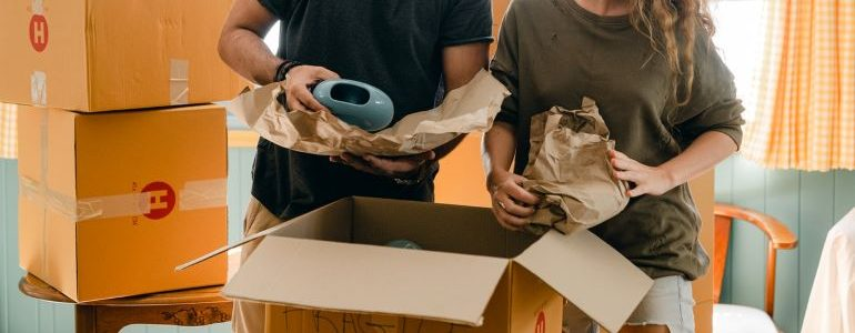 Let our movers South Lyon MI help with the packing process