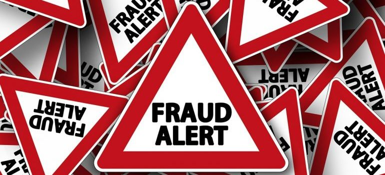 Signs to avoiding fraudulent moving companies