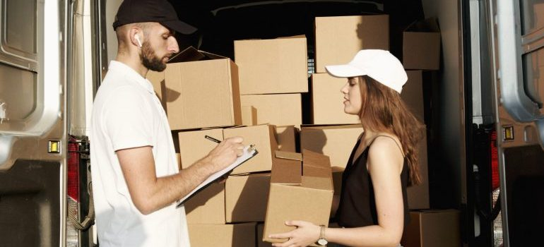 Hiring reliable movers.